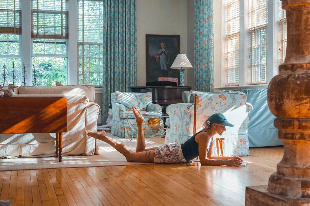 Hoe fris je een klassiek interieur op? Heel eenvoudig: even schilderen!
